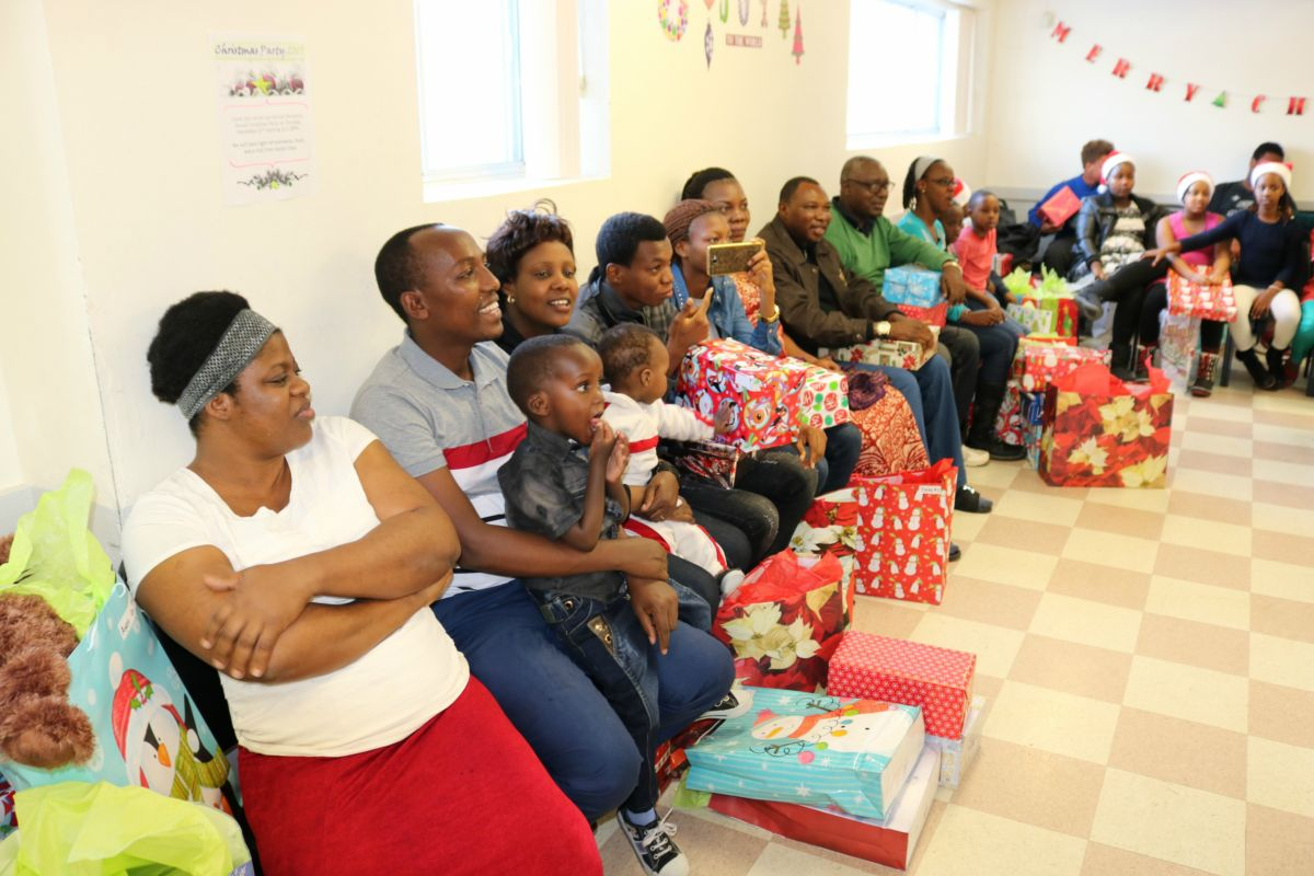 Families watch Christmas concert